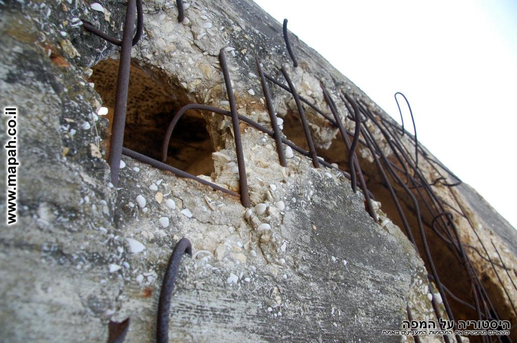 דופן מגדל המים המנוקב של קיבוץ יד מרדכי - צילום: אפי אליאן
