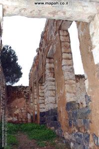 דופן צפונית של ארמון האמיר - צילום: אפי אליאן