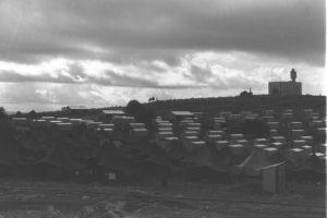 """מעברת פראדיה בגליל - לימים מושב שפר - צילום: דוד אלדן - לע""""מ"""