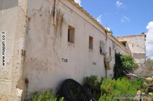 הדופן הצפונית וקיר חיצוני של בית האורווה של התחנה - צילום: אפי אליאן
