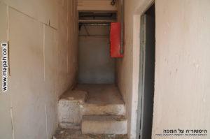 פרוזדור הכניסה מהדלת הראשית המקורית - צילום: אפי אליאן