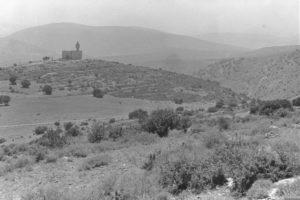 """מבט אל תחנת המשטרה פראדיה - שנת 1949 - צילום דוד אלדן - לע""""מ"""