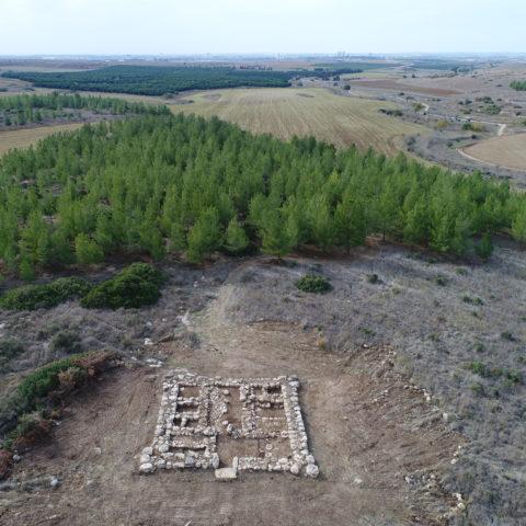 שרידי המצודה ליד גלאון - צילום: סער גנור