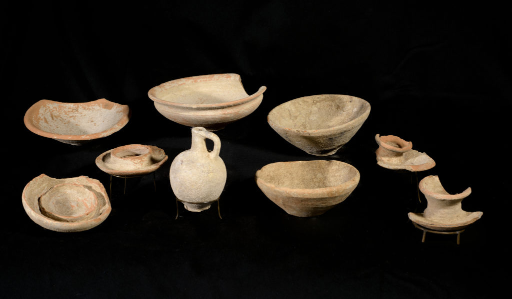 כלים בני 3200 שנה מחפירת גלאון. צילום דפנה גזית