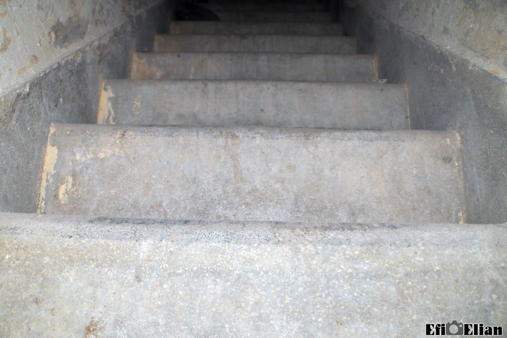 גרם מדרגות טרצו למרתף המגדל הגבוה - משטרת בית גוברין - צילום: אפי אליאן