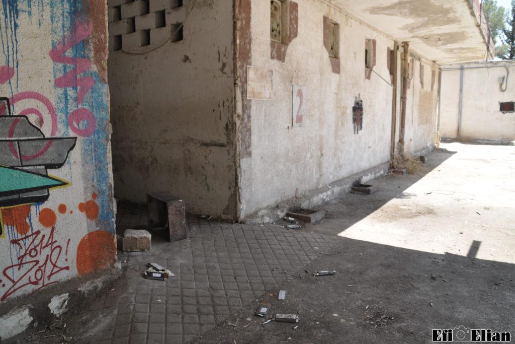 הכניסה המקורית לאורוות הסוסים משטרת בית ג'ברין - צילום: אפי אליאן