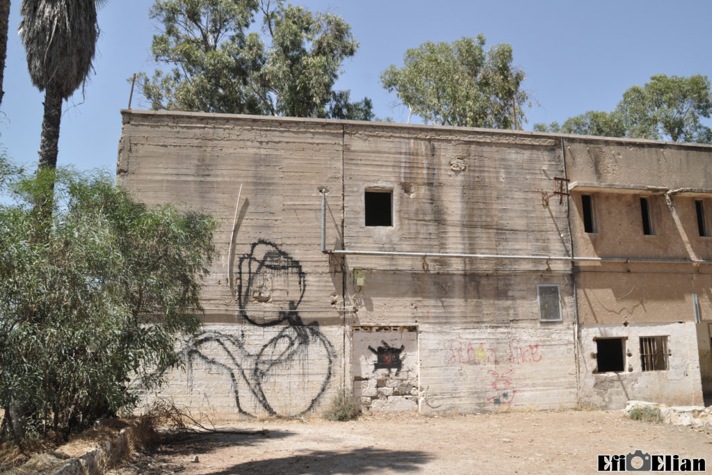 דופן הבניין הצפוני - הקיר הינו מקורי - צילום: אפי אליאן