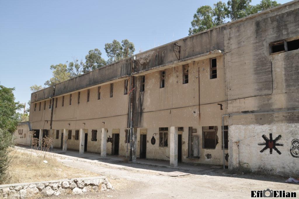בניין דרומי במשטרת בית גוברין הקומה השניה מהדופן הפנימית - צילום: אפי אליאן