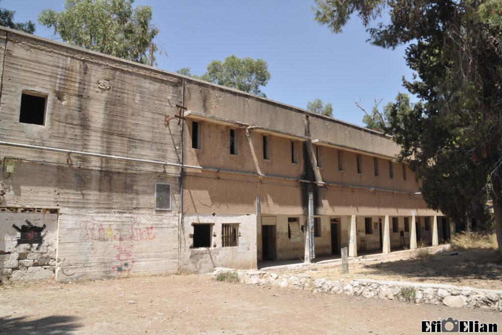 בניין המשטרה הבריטית בית גוברין - מבנה צפוני - צילום: אפי אליאן
