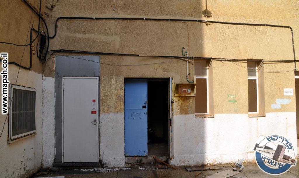 הכניסות מהחצר הפנימית למבנה הדופן הצפוני משטרת באסה - צילום: אפי אליאן