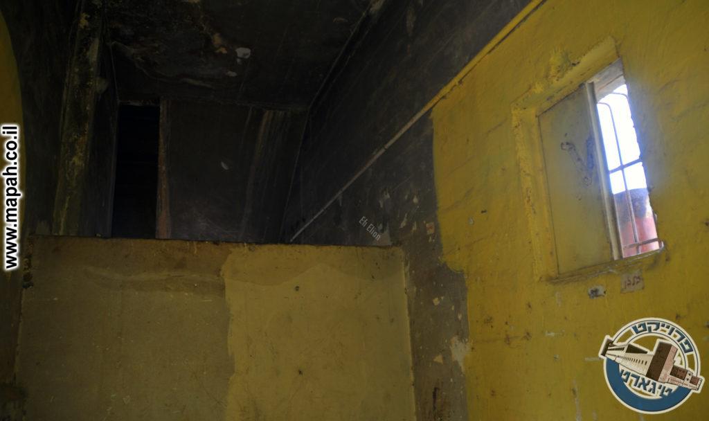 חדרי אכסון בדופן הצפונית תחת גרם המדרגות - צילום: אפי אליאן