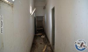 פרוזדור דופן צפונית ממזרח למערב מול גרם מדרגות מבוי סתום - צילום: אפי אליאן