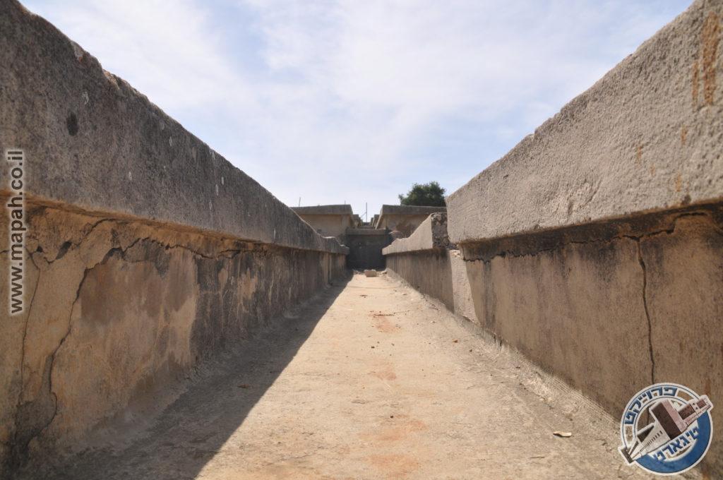 מתוך התעלה המרכזית של מתקן אספקת המים בהר אגר - צילום: אפי אליאן