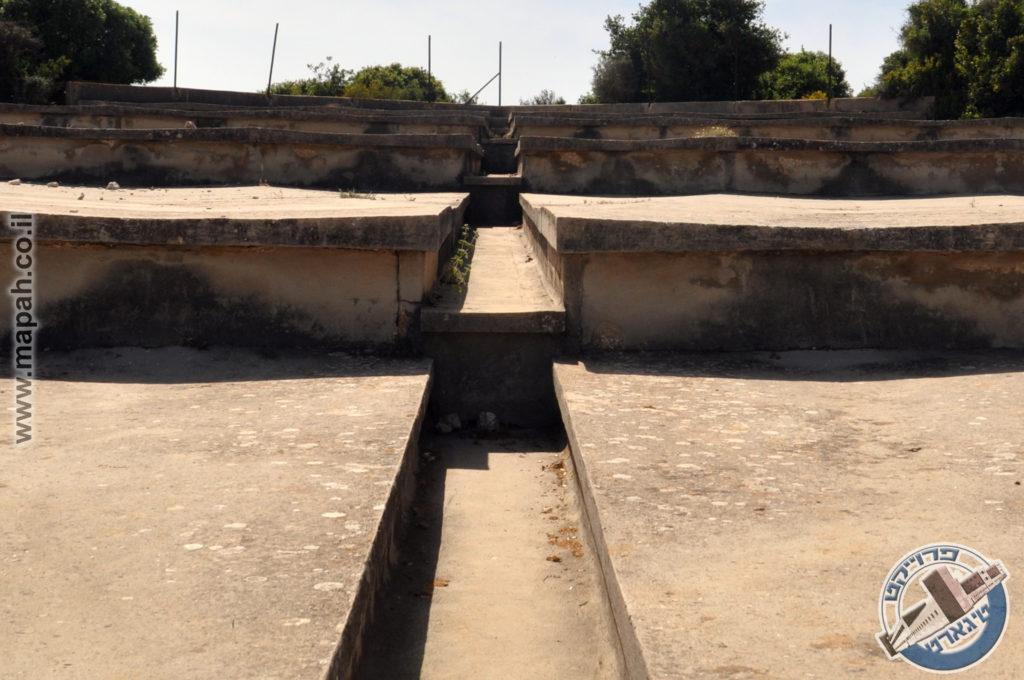 מדרגות תעלת הניקוז המרכזית במתקן אספקת המים הר אגר - צילום: אפי אליאן