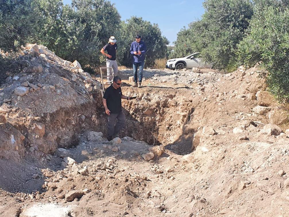 החפירות הלא חוקיות ליד בח'רבת  ג'חוש - צילום:  איתן קליין