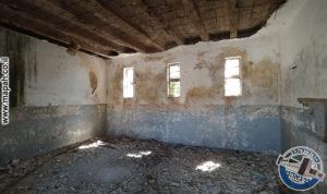 חדר המנוחה לשבע מיטות עבור שוטרי משטרת אבו גוש - צילום: אפי אליאן