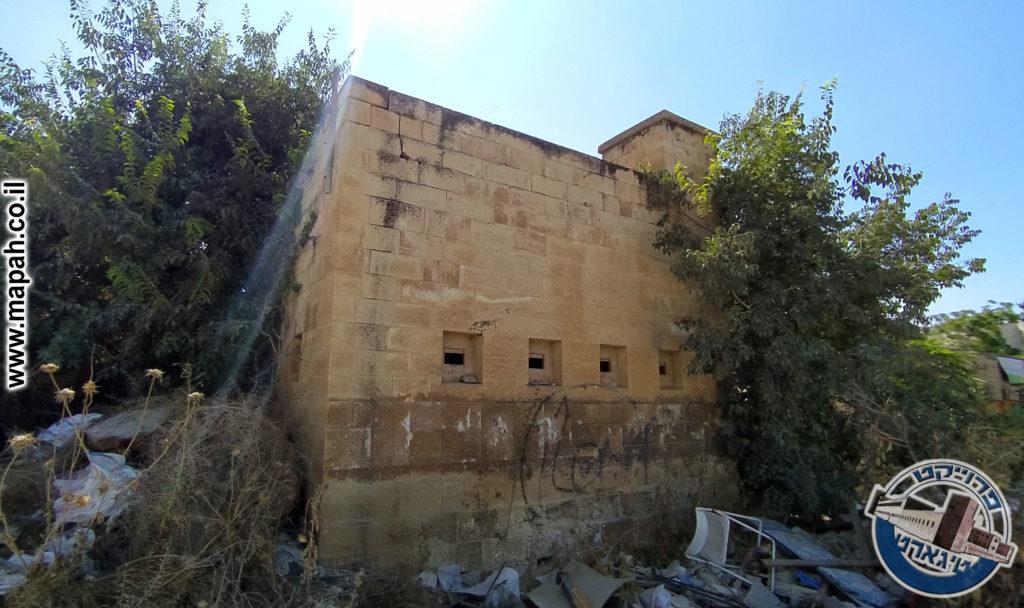 מגדל השמירה הדרום מזרחי משטרת אבו גוש - צילום:  - אפי אליאן