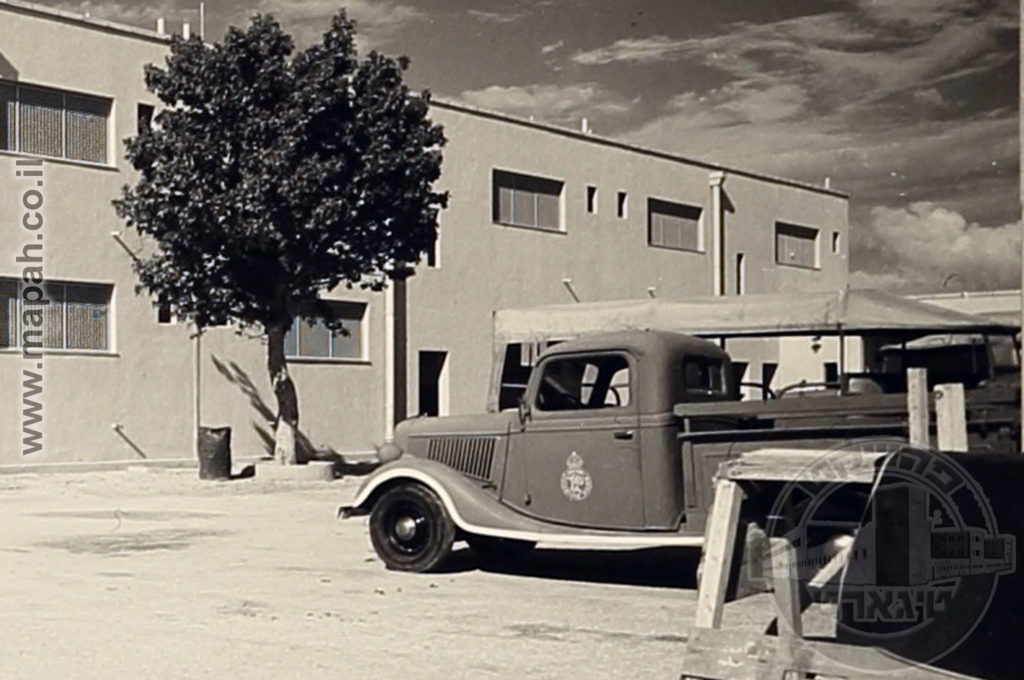 משאית של משטרת פלשתינה - מקור: ארכיון אוטו הופמן - הארכיון הציוני