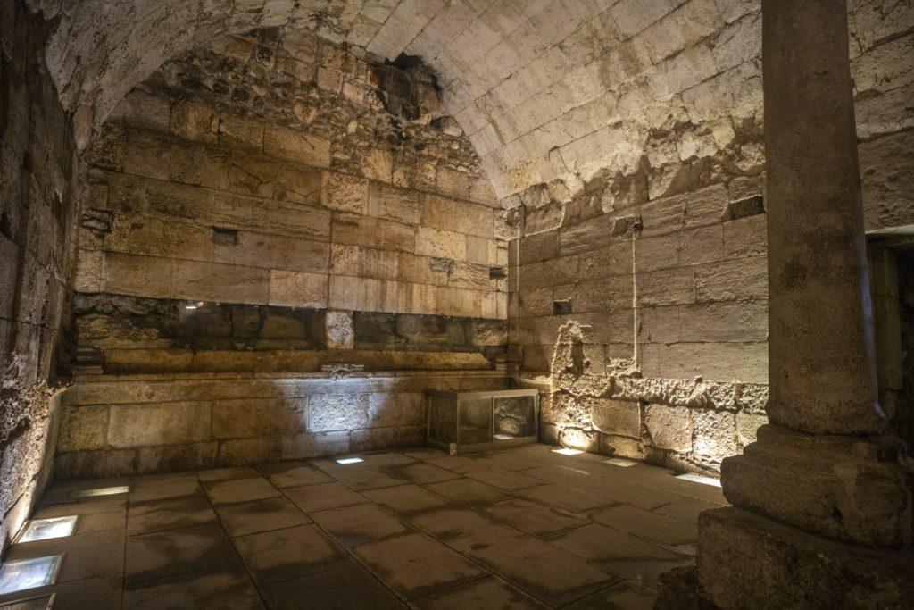 שרידי המבנה המפואר מלפני 2000 שנה שנחשפו ויוצגו לציבור - צילום: יניב ברמן