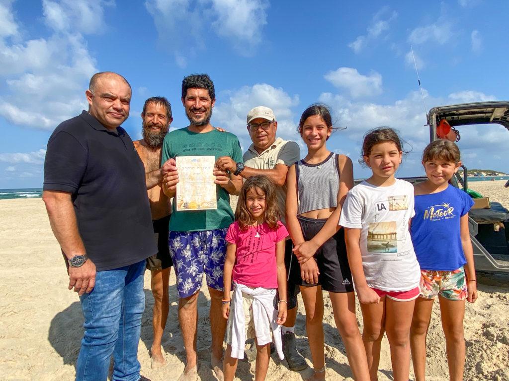 יותם דהאן בחוף הבונים - צילום: אופיר חייט