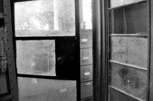 """אחד הדברים שכיף לראות, למרות שצה""""ל די הרס את המראה המקורי של המצודה, היו אלמנטים שנשארו מקוריים, כמו הדלת הזו, שמובילה למרפסת הקומה השניה בבלוק המרכזי. - צילום: אפי אליאן"""