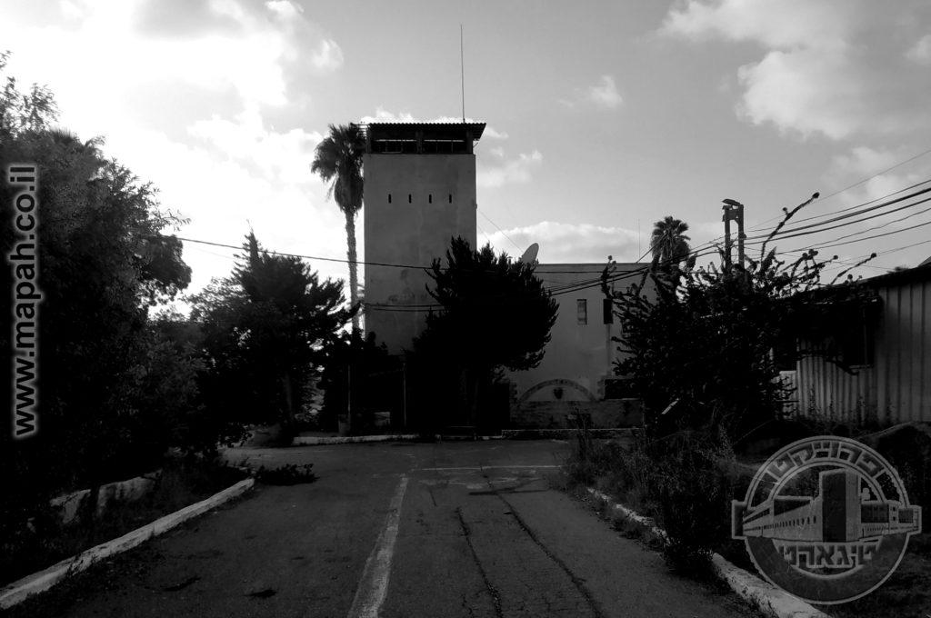 הדרך המובילה למפקדת כלא שש - מצודת טיגארט עתלית 08 - צילום: אפי אליאן